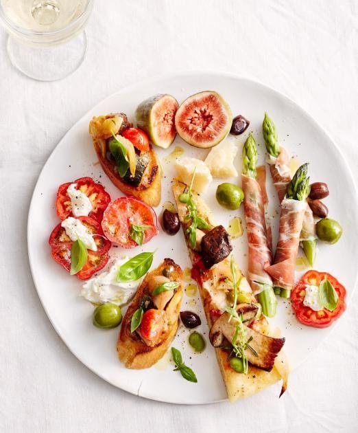 zucchini frittata mit tomaten topping antipasti buffet f r acht personen essen und trinken. Black Bedroom Furniture Sets. Home Design Ideas