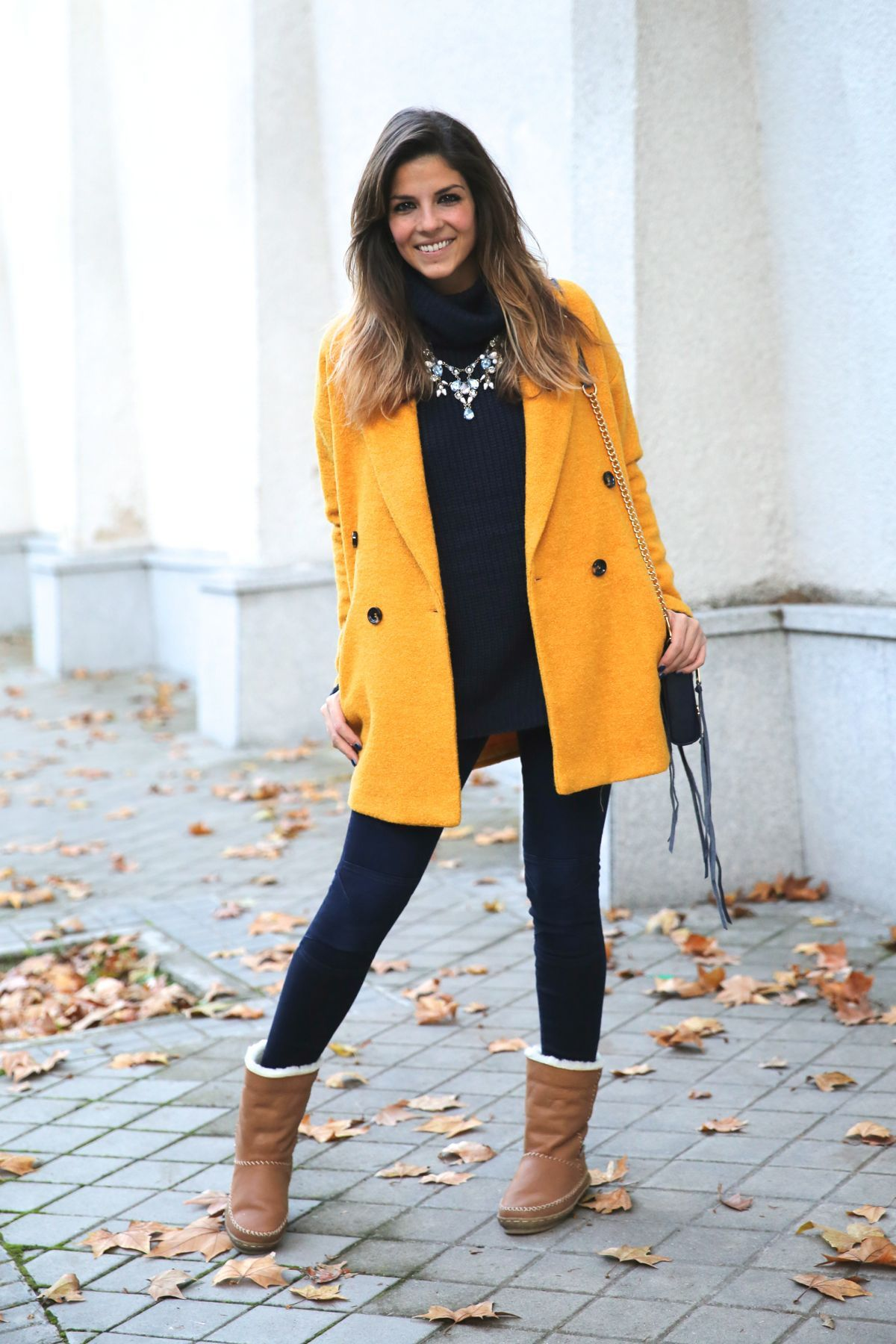 Abrigo/Coat: Fashion Pills (AW 15) Vaqueros y collar/Jeans and necklace: Zara (Old) Jersey/Sweater: Fashion Pills (AW 15) Botas/Boots: Vogue LV (AW 15) Bolso/Bag: Rebecca Minkoff via Sarenza.es
