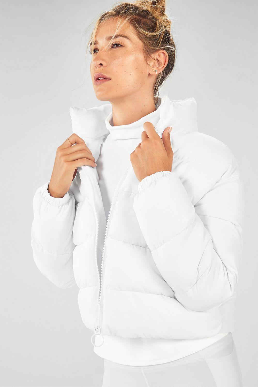 Wander Puffer Jacket In 2021 Puffer Jackets Puffer Bra Size Charts [ 1498 x 998 Pixel ]