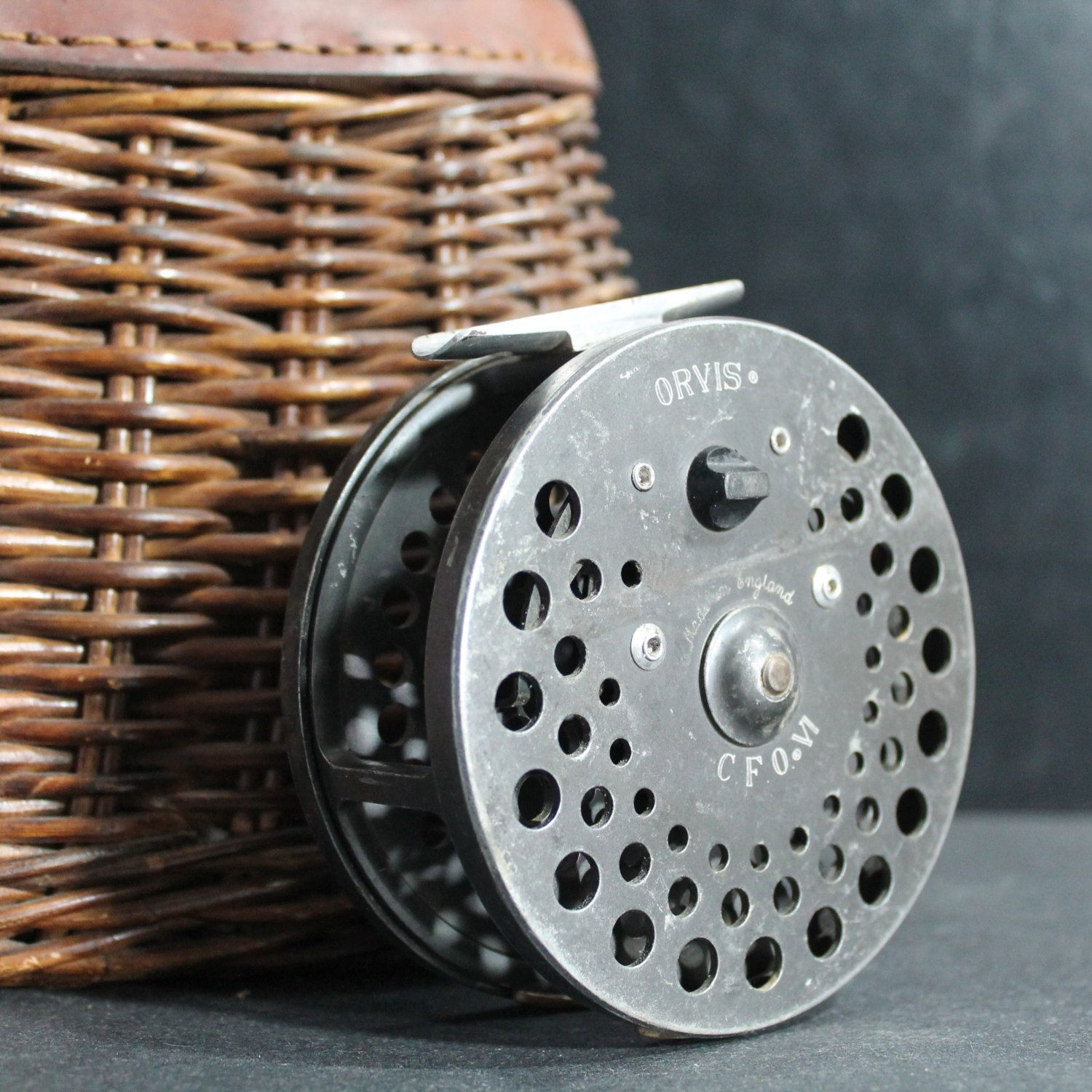 Vintage Orvis CFO VI reel made in England Oustanding fly