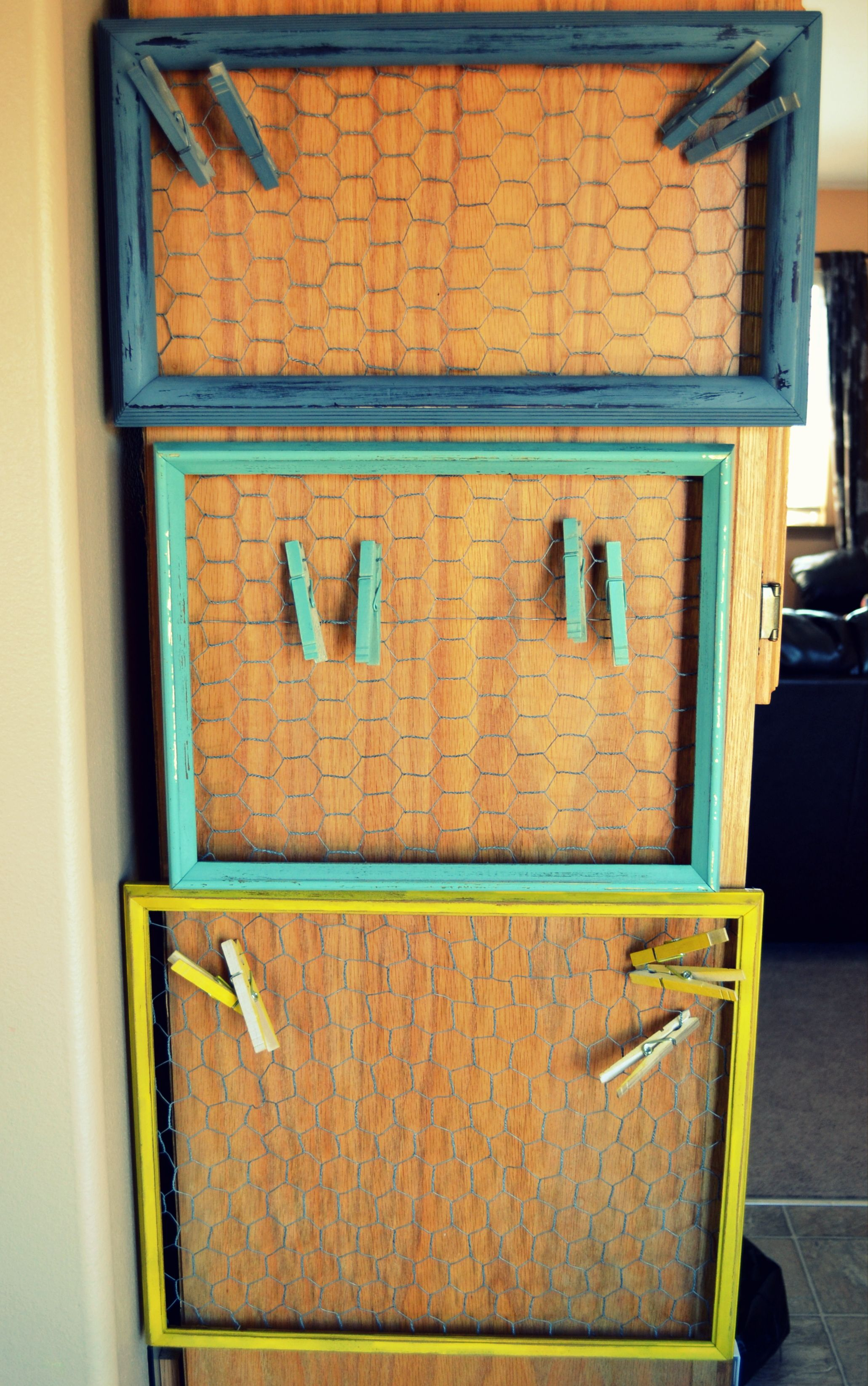 Chicken Wire Frames-Easy Tutorial plus so much more! Great site for ...