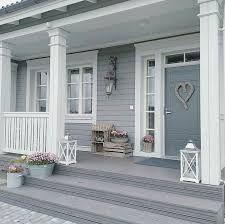 bildergebnis f r holzhaus bungalow mit veranda und. Black Bedroom Furniture Sets. Home Design Ideas