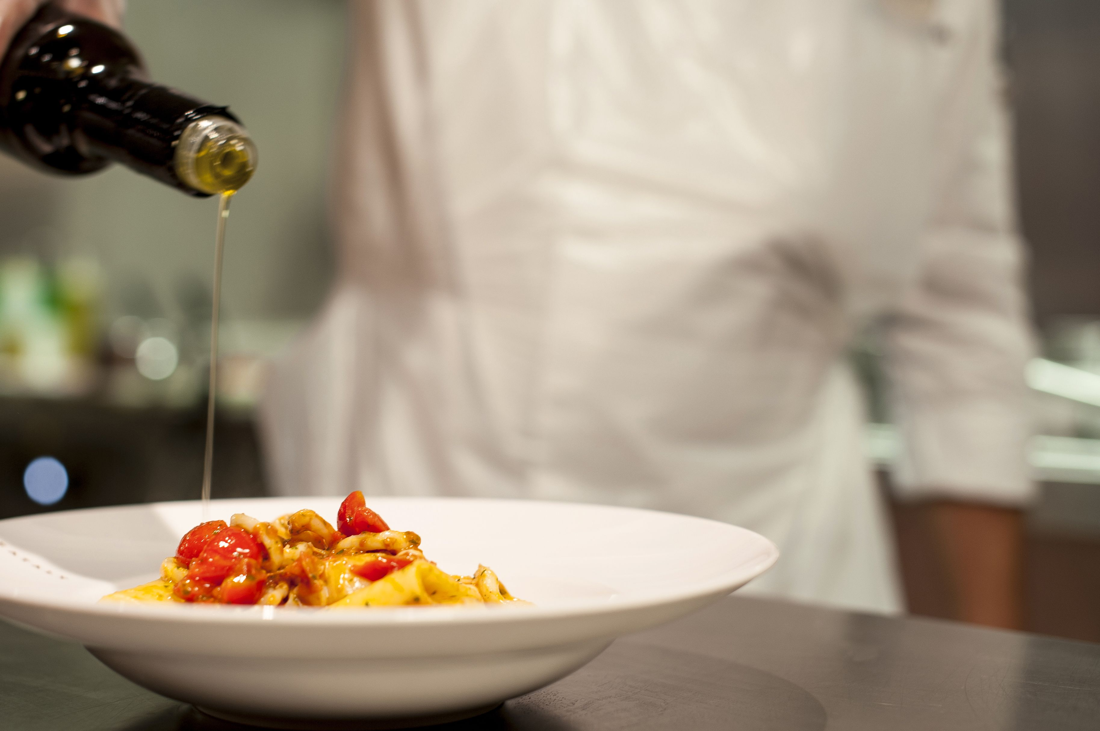 Een MSC-cruise is een unieke kans om te genieten van verfijnd eten, heerlijke diners en lekkere, all-inclusive menu's in onze elegante restaurants met een Italiaanse en internationale keuken. #pasta #olijfolie