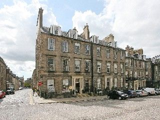 Stunning 3 Bedroom Georgian Apartment With Beautiful Views Of Edinburgh Castlevacation Rental In New Town From Ho Vacation Dream Properties Homeaway