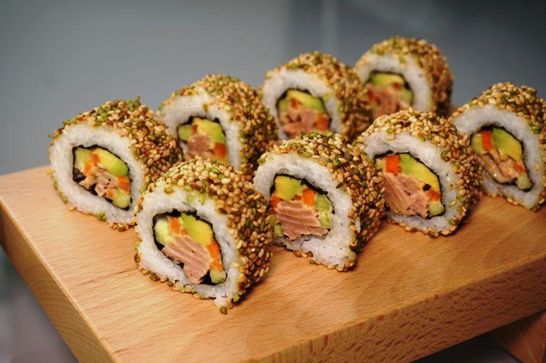 Photo of Uramaki sushi: With tuna and sesame / With tuna and sesame – michasfoodblog