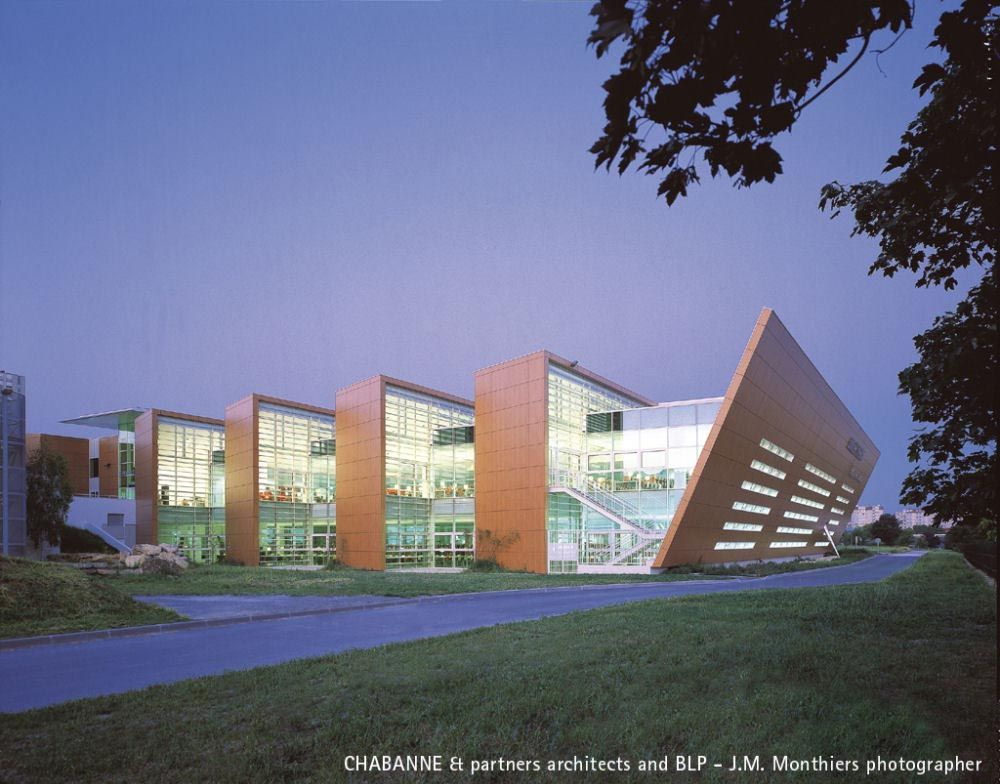 Classic university library exterior facade superb for Modern classic building design