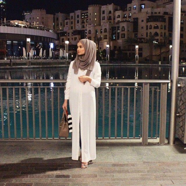 قفاطن و تكاشط مغربية بيضاء للعروس2019 Mon Projet Couture Abaya Fashion Fashion Outfits Moroccan Fashion