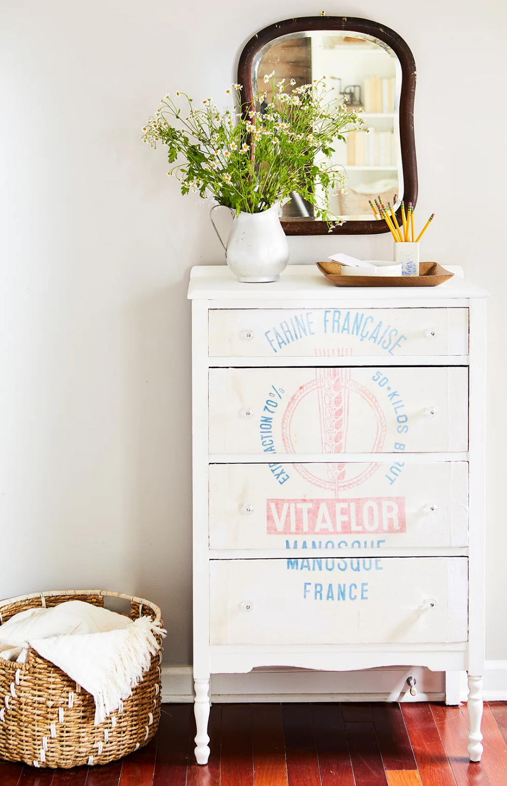 48 Amazing Flea Market Projects, Hacks, and Revamps