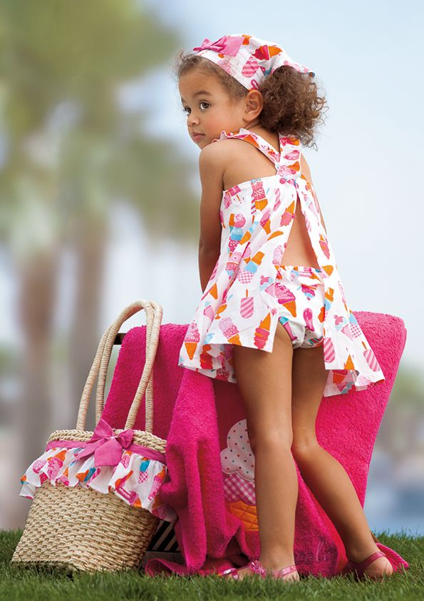 c1e2834b12b3 Look de niña para playa y piscina de Tutto Piccolo. Verano 2015 ...