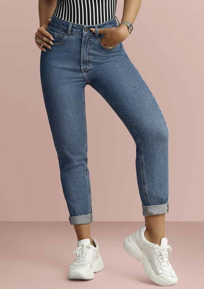 9d2925653 Calça Jeans Feminina Em Algodão Na Modelagem Mom Pants | Modelitos ...