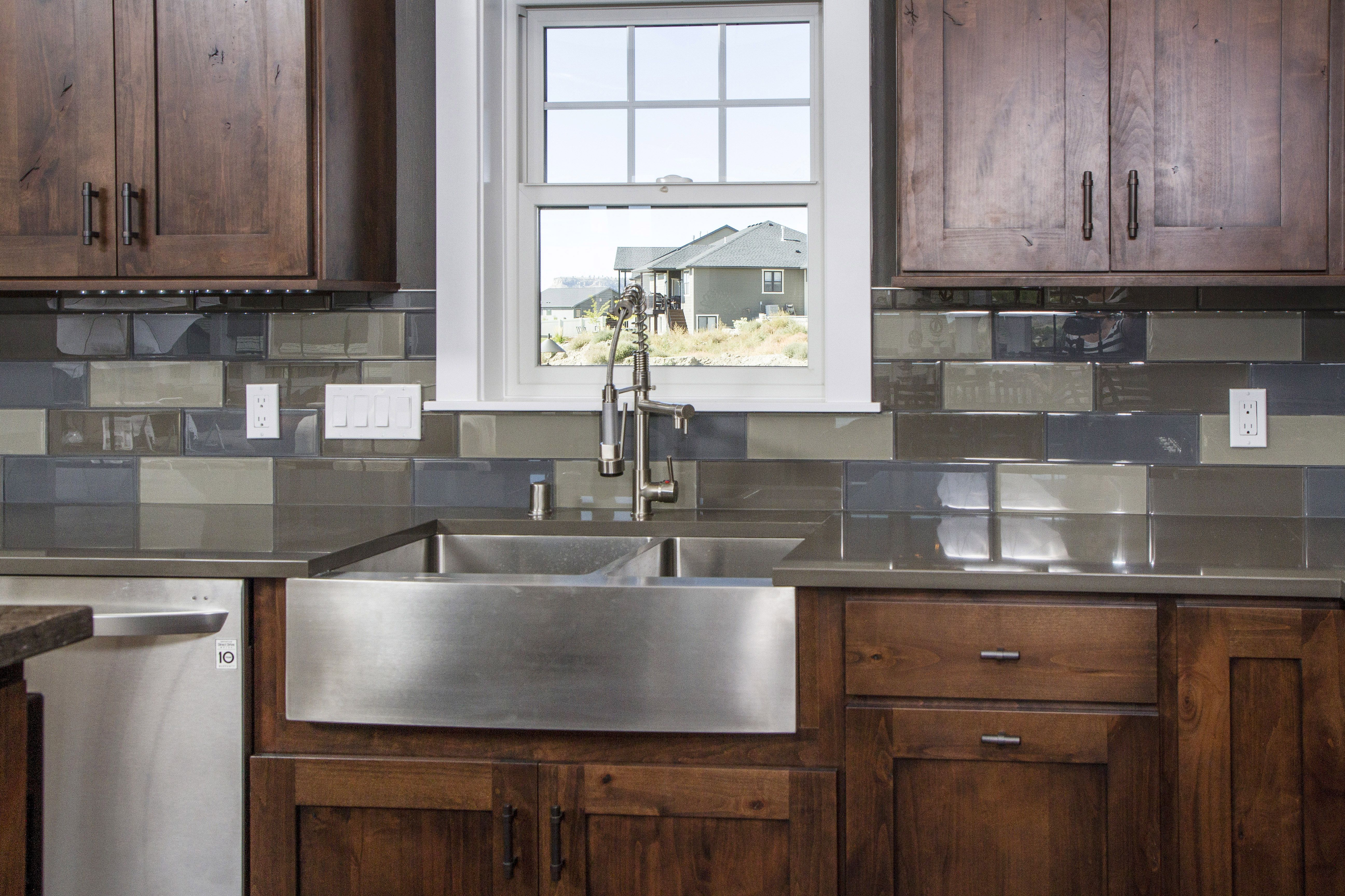 Bigcreek Knotty Alder Latte Onyx Crown Cabinets Kitchen Cabinets Home Decor