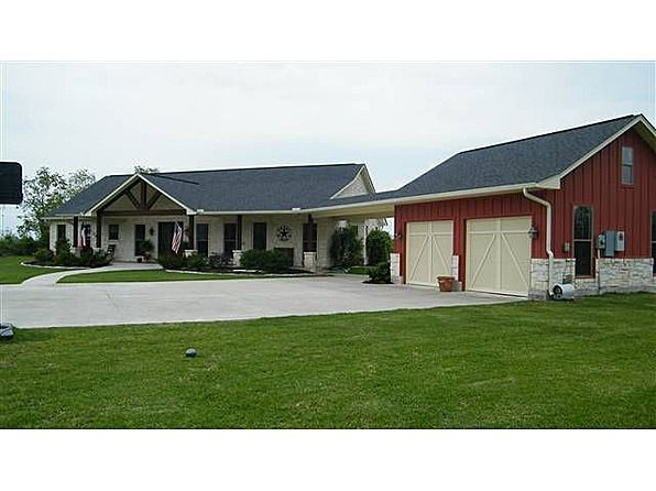 Beautiful ranch style home 2900 sq ft living space48 39 x for Beautiful metal building homes