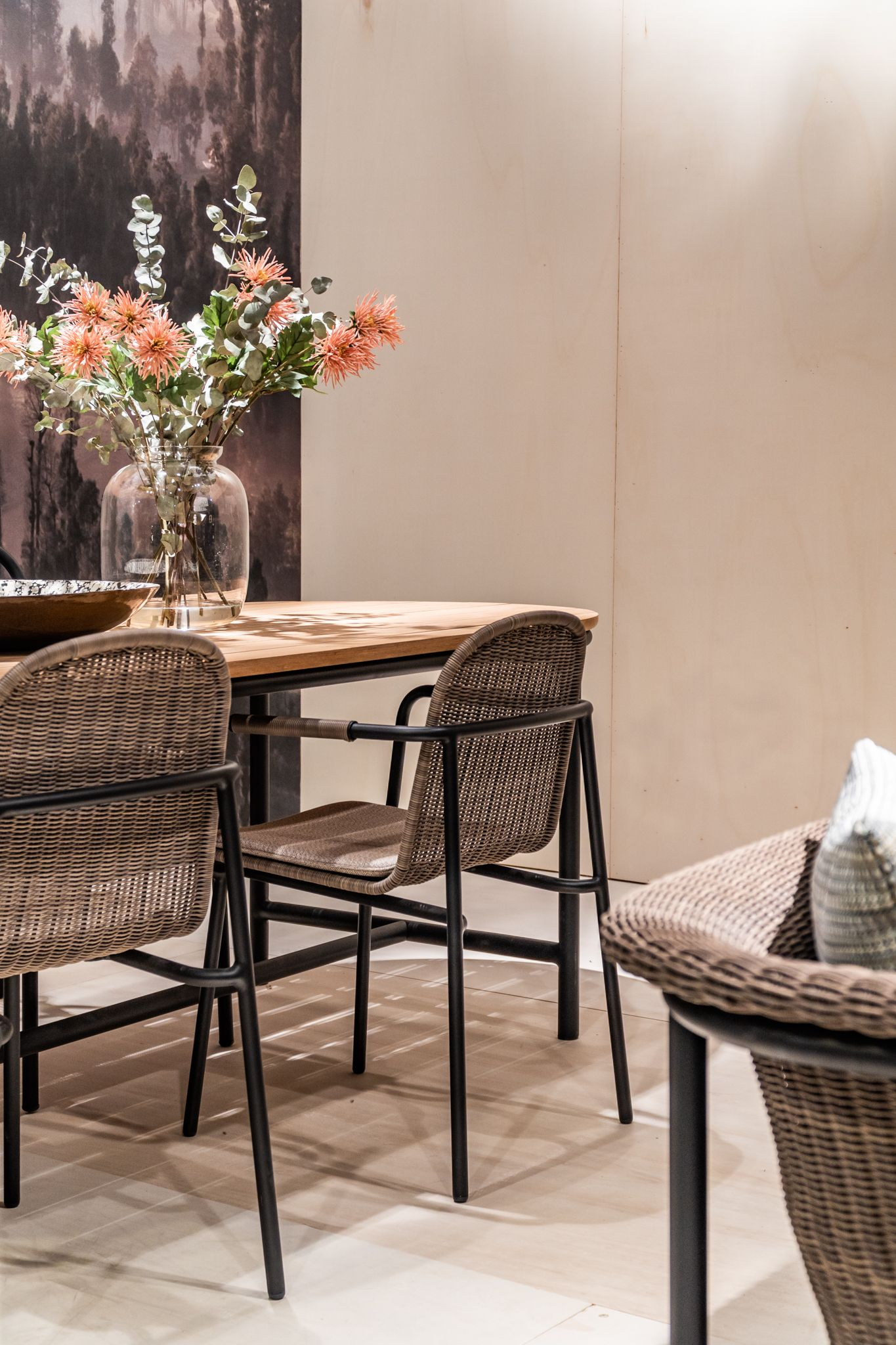 Vincent Sheppard The Wicked Dining Chairs And Contour Dining Table By Vincent