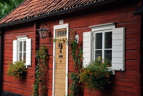 Traditional Swedish Homes Swedish Houses Continue To Be Painted - Traditional swedish homes