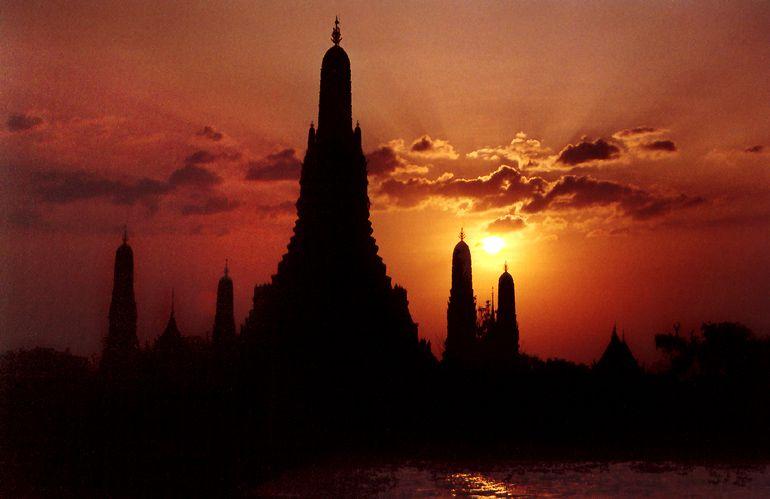 What Arun at Sunset, in Bangkok_ Thailand