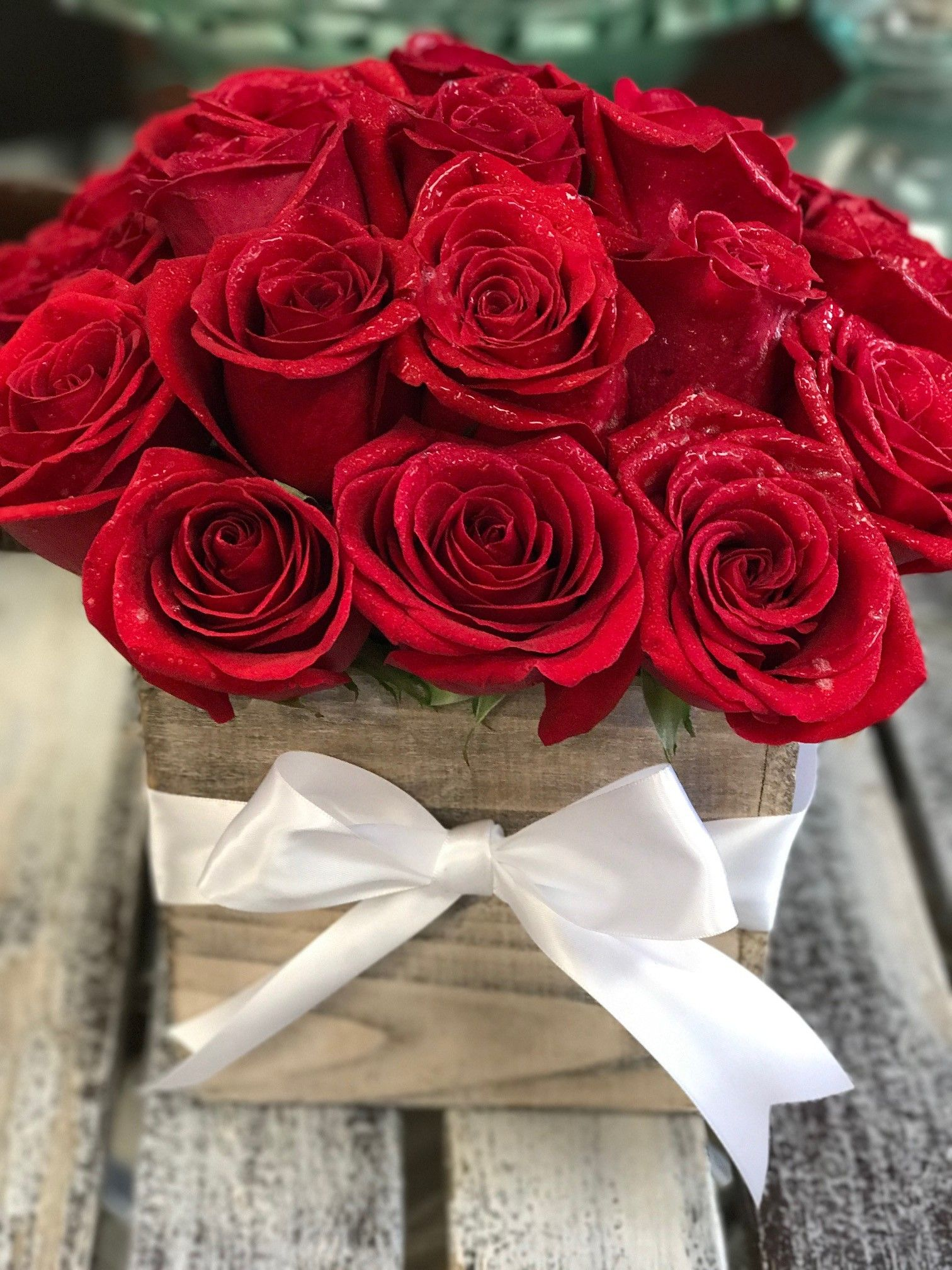 Rustic Rose By Bloomnation Red Flower Arrangements Red Rose Arrangements Flower Gift Ideas