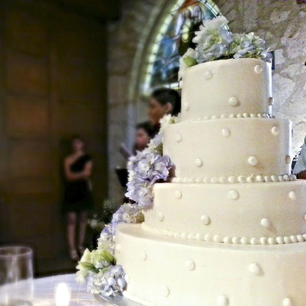 4 Tier Wedding Cake With Pearl Dots // BIRD Bakery // San Antonio