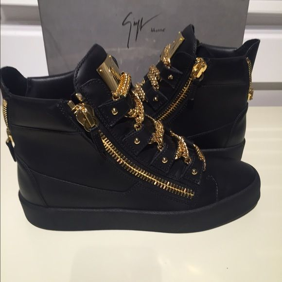 Black Timberlands With Gold Chain Laces