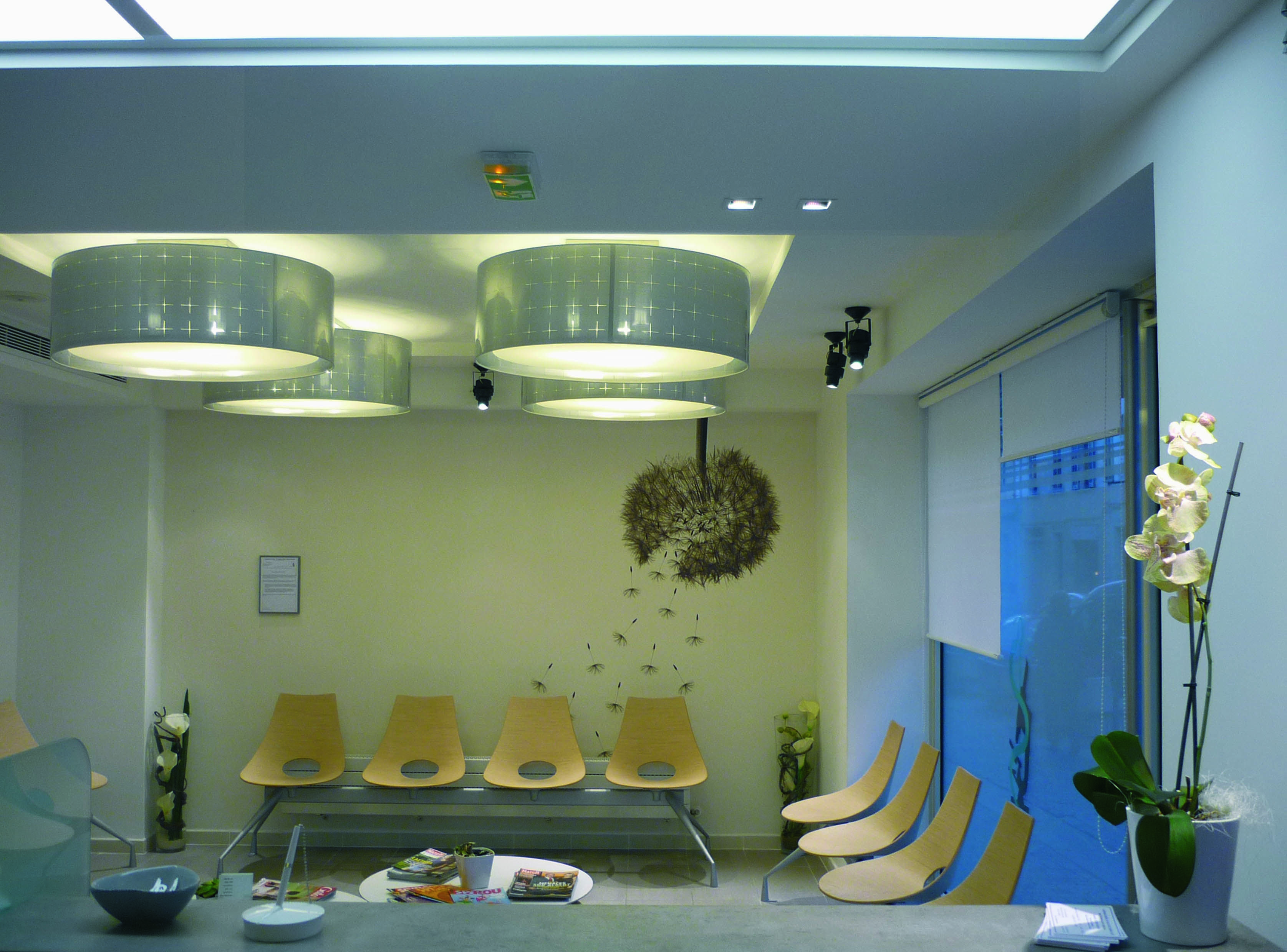 Salle d attente laboratoire d 39 analyses m dicales accueil et salle d 39 attente pinterest - Cabinet analyse medicale ...