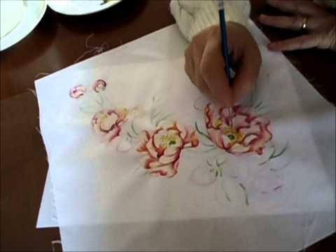 Pittura Su Tessuto Youtube Pittura Su Tessuto Magliette Dipinte A Mano Disegno Di Rose