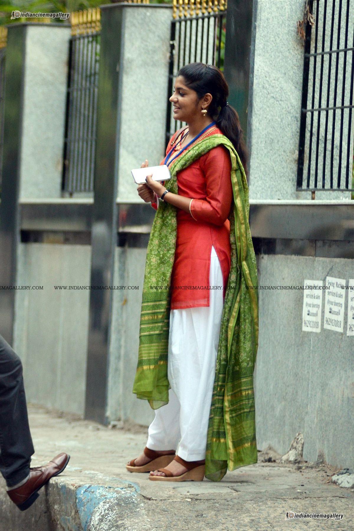 Aparna Balamurali In 8 Thottakkal 4 1910 Jpg 1200 1800 Actresses Actress Photos Indian Actresses