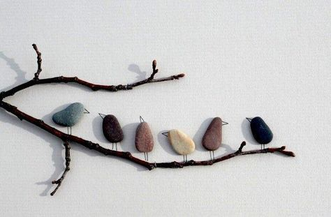 Decorate and equip the house with stones