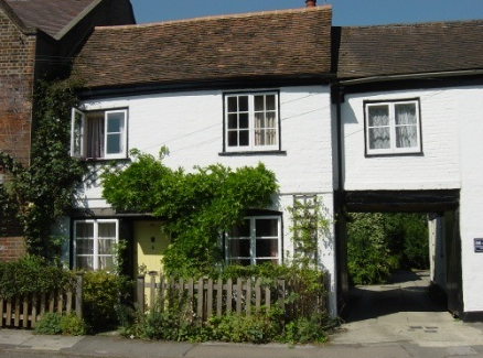 The Black Swan Potters Bar Hertfordshire England English Cottages Beautiful Cottages Traditional English Ho Holiday Cottage Vacation Home Rentals Cottage