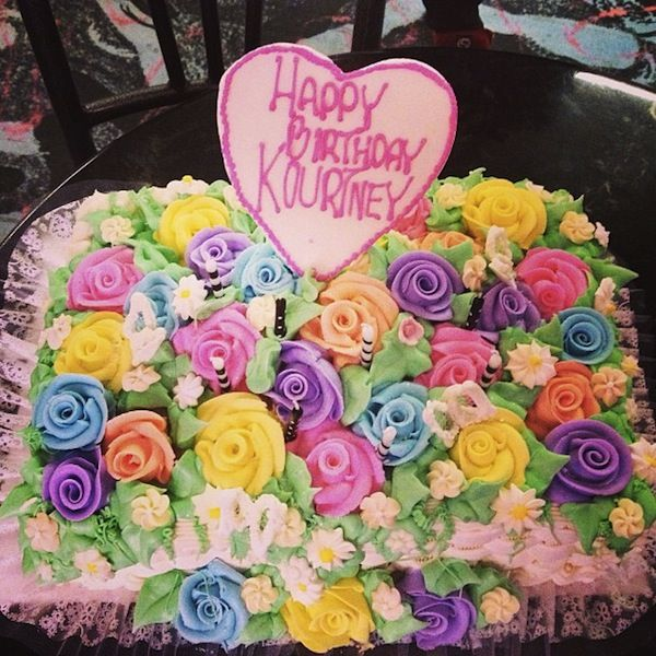 Happy Birthday To Kourtney Kardashian Love This Cake Desserts