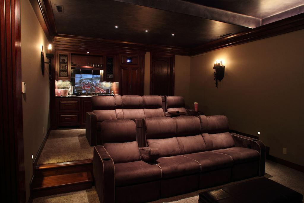 small movie room ideas tomato color interior decorating home theater idea big screen on the. Black Bedroom Furniture Sets. Home Design Ideas