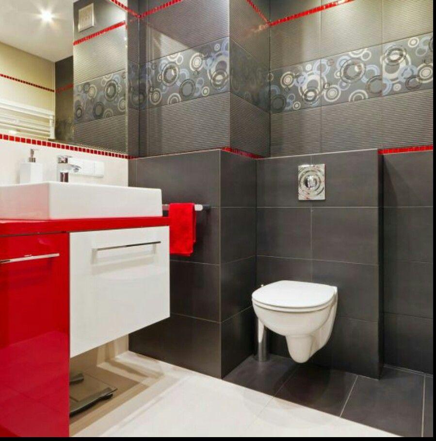 Baño Rojo Gris Y Blanco Perfecta Combinación Baños De Colores Decorar Baños Diseño De Baños Chicos