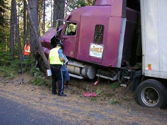 Semi Truck Crash Trucks Bad Drivers Tough Spots