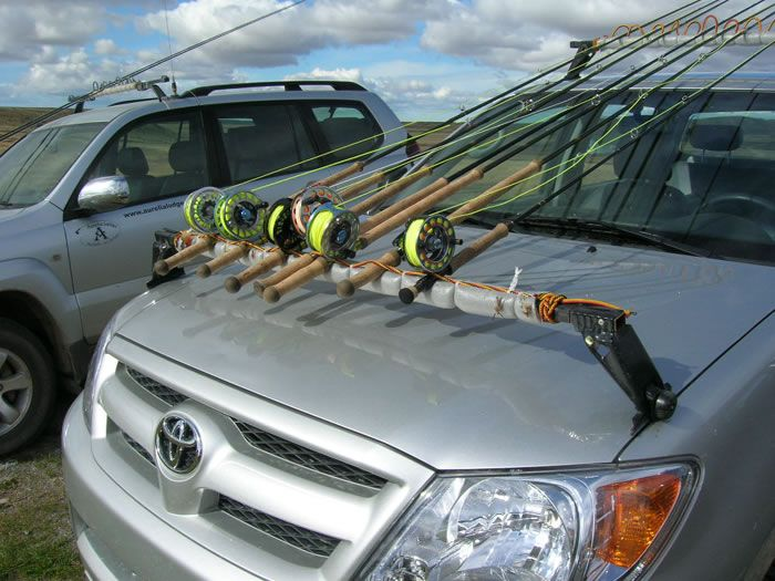 Roof rack modified to make fly rod holder cool fishing for Roof rack fishing rod holder