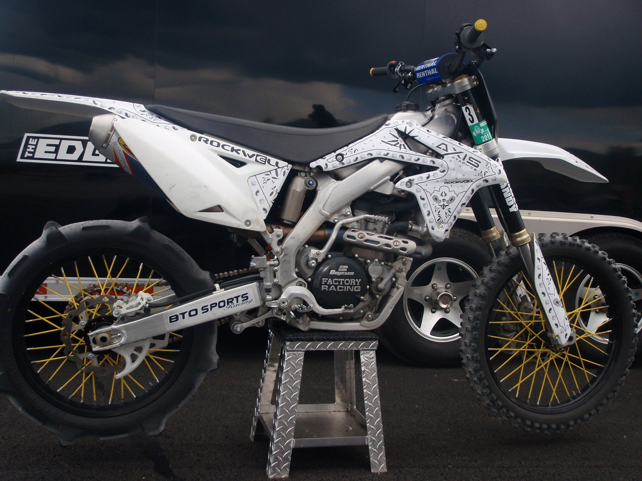 suzuki rmz450 axis graphics probably the best looking. Black Bedroom Furniture Sets. Home Design Ideas