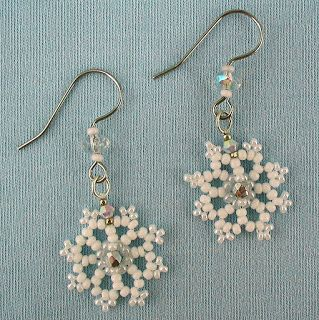 Free Beaded Earring Patterns | ... earrings in white crystal and beaded snowflake earrings pattern