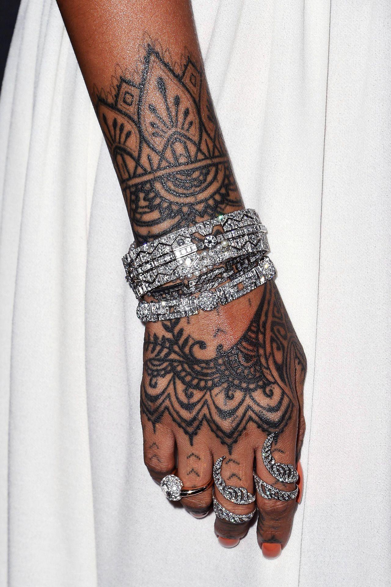 Rhianna Wearing Lorraine Schwartz Rihanna Hand Tattoo Rihanna Tattoo Tattoos