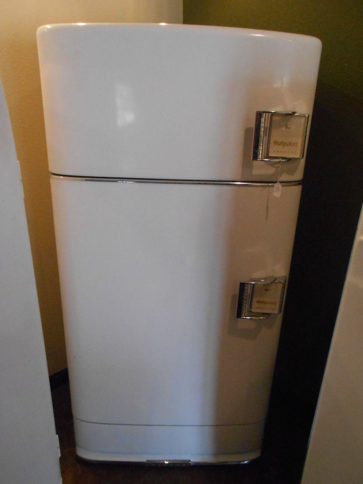 Antique 2 Door Vintage Hotpoint Refrigerator Top Freezer Buckle Handles White Ebay Vintage Refrigerator Hotpoint Refrigerator Refrigerator