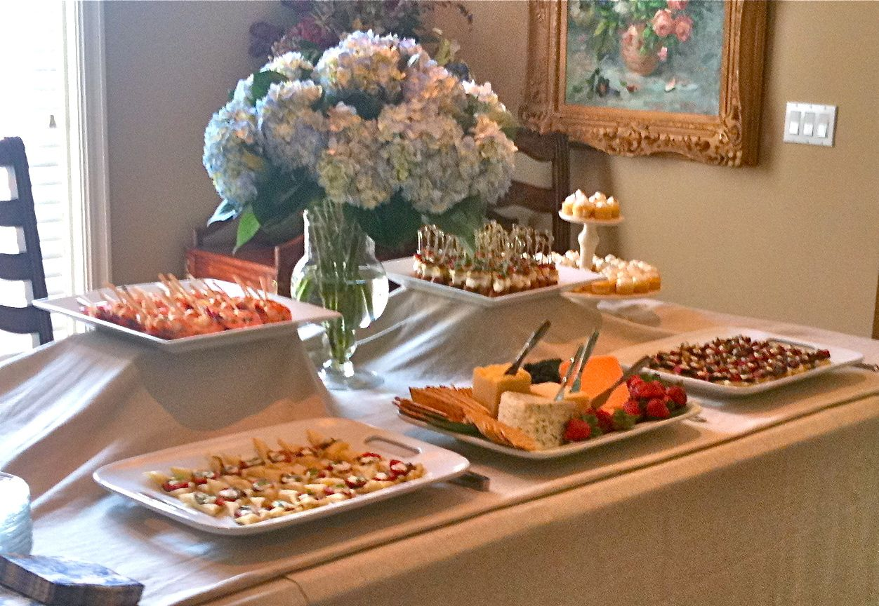 Christmas party buffet table decorations - Buffet Table Food Display Ideas