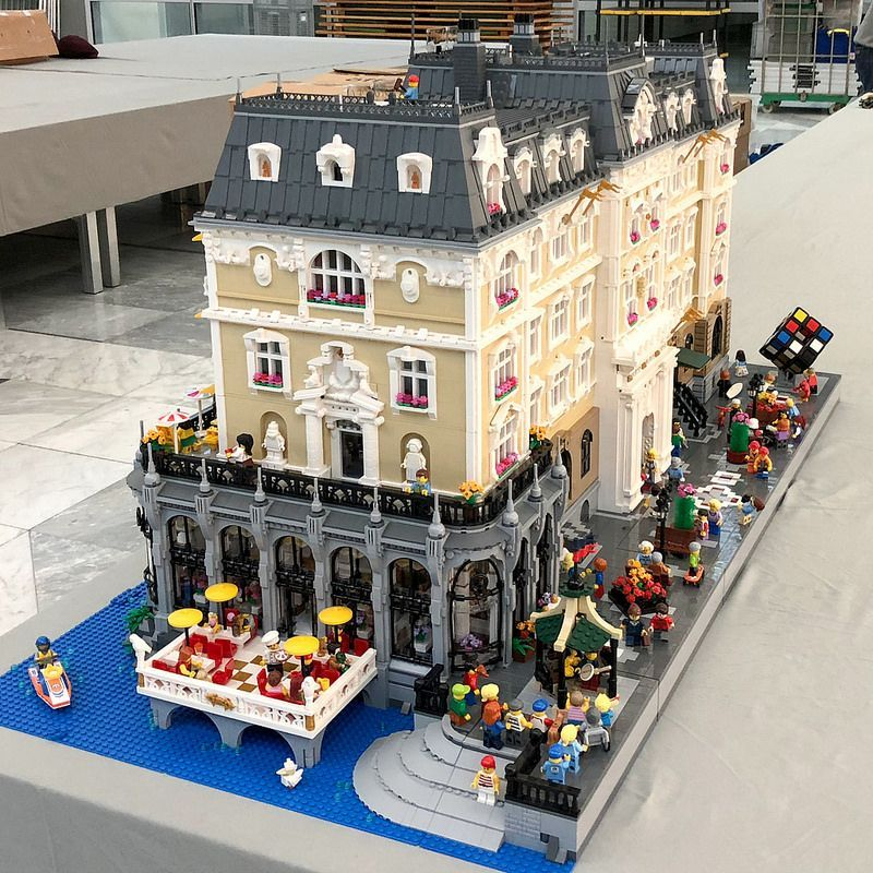 Risultati Immagini Per Grand Palace Hotel Lego Moc Modular Lego