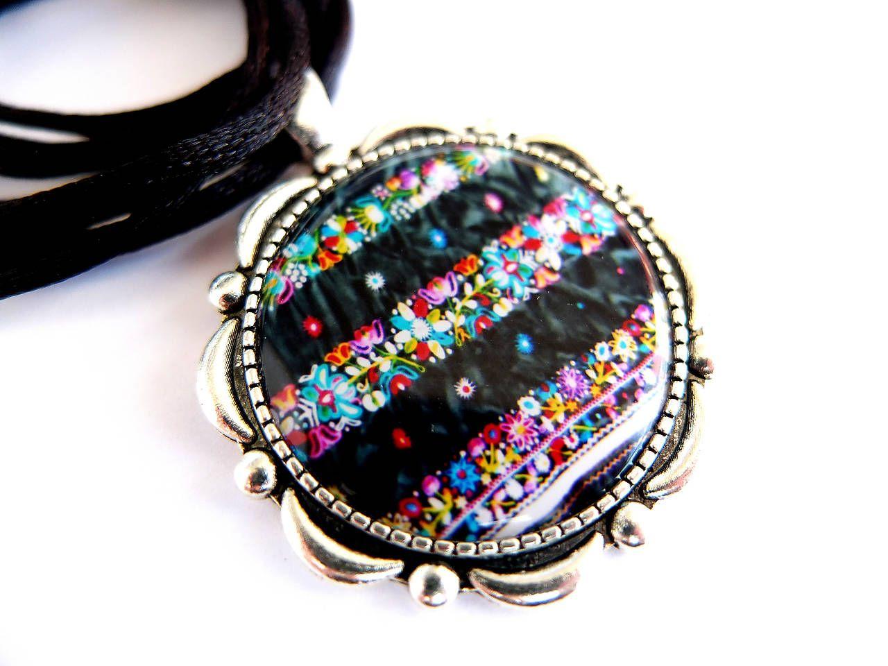 Náušnice nestačia Tak tu máme pre Vás jedinečný folklórny náhrdelník ... 8cef7f9963d