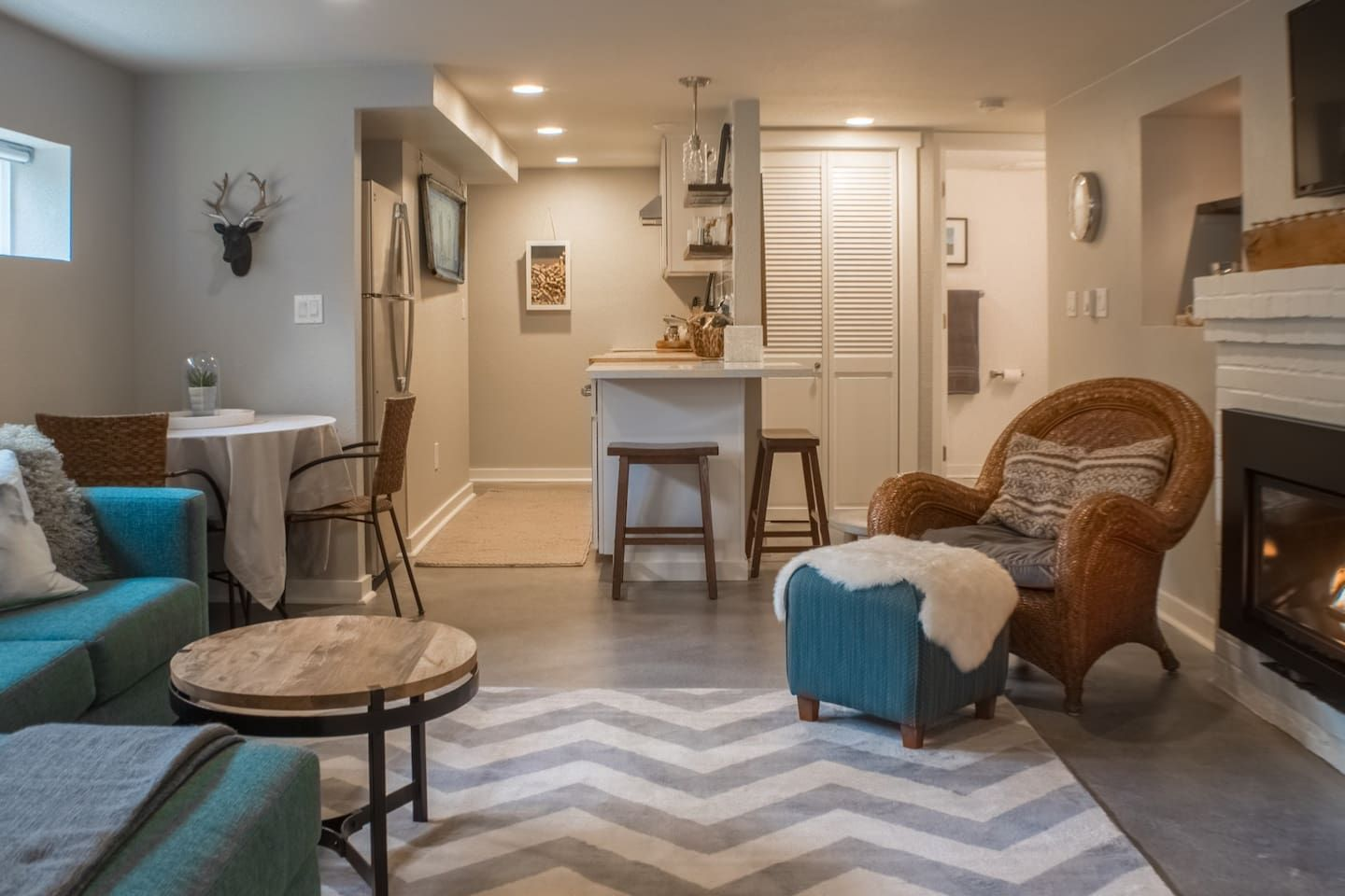 New PDX MidModern Apartment Houses for Rent in Portland