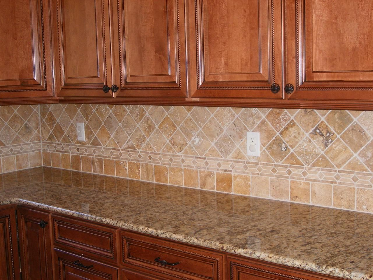 Travertine backsplash | For the Home | Pinterest
