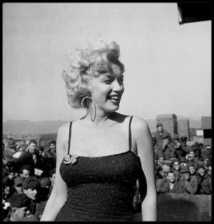 1954 / MARILYN EN COREE