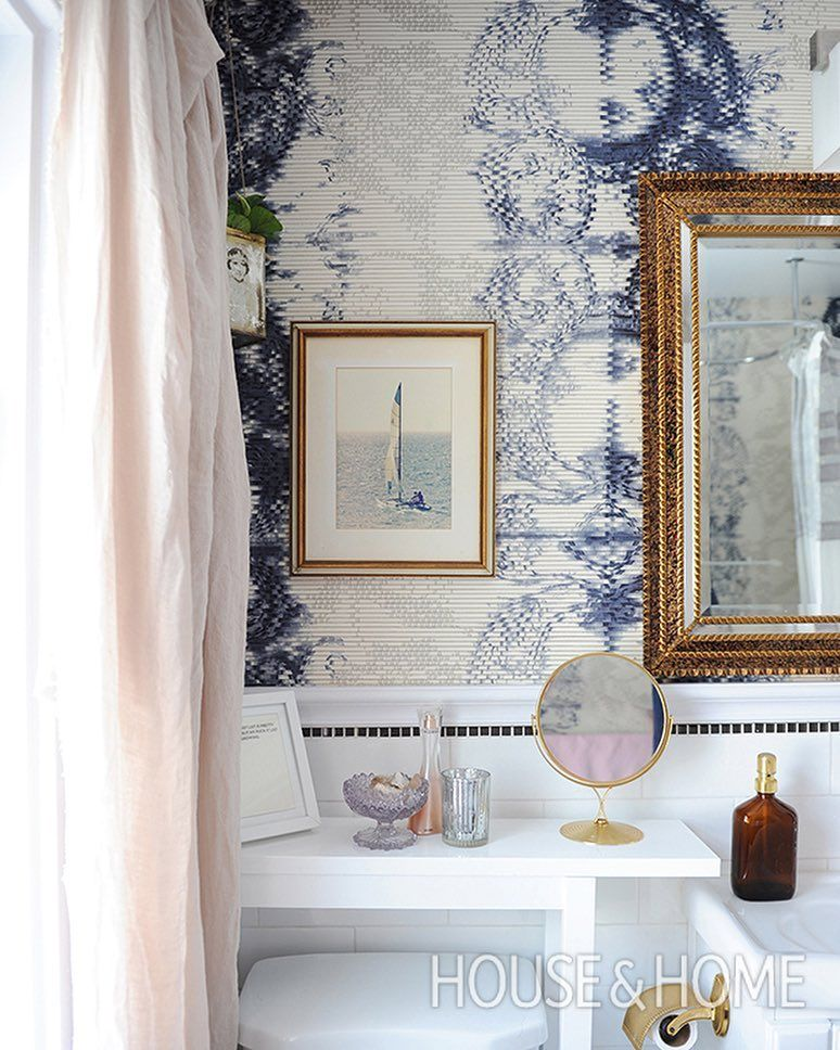 In The Main Bathroom Designer Agoodchicktoknow Went For A Dramatic Vinyl Wallpaper In A Deconst Modern Master Bathroom Statement Wallpaper Bathroom Wallpaper