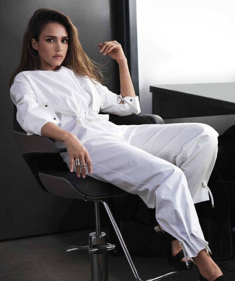 eb963970961f The Future is Female (Harper s Bazaar Mexico and Latin America) Jessica Alba  2017