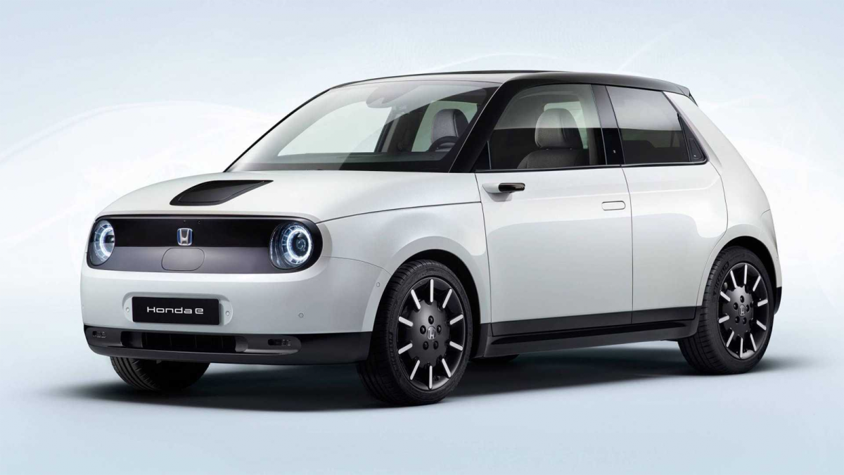 The Honda E Production Version Looks Just As Good As The Prototype In 2020 Honda Electric Cars Car