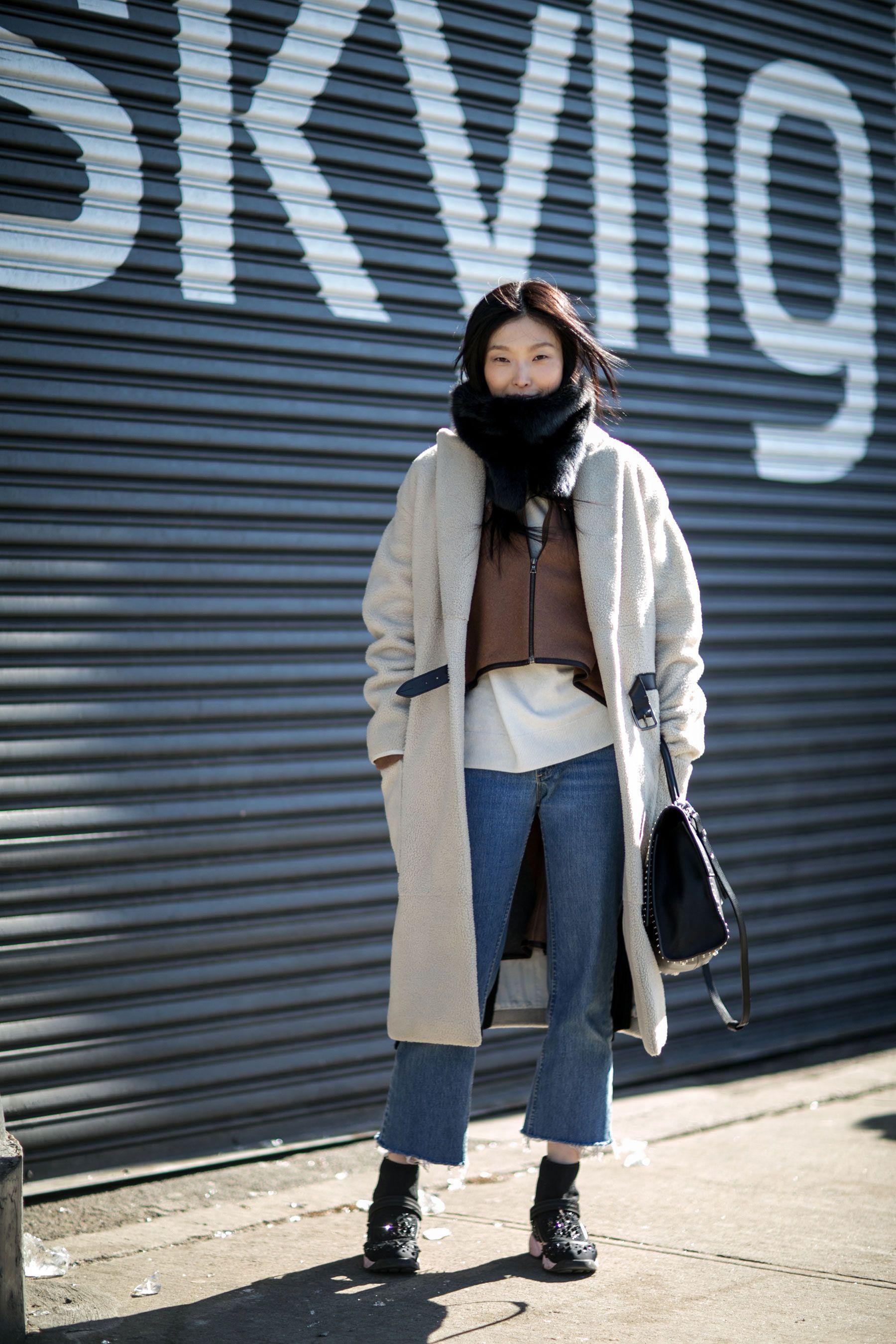 New York Fashion Week: Women's Street Style Fall 2016 Day 4 – The Impression