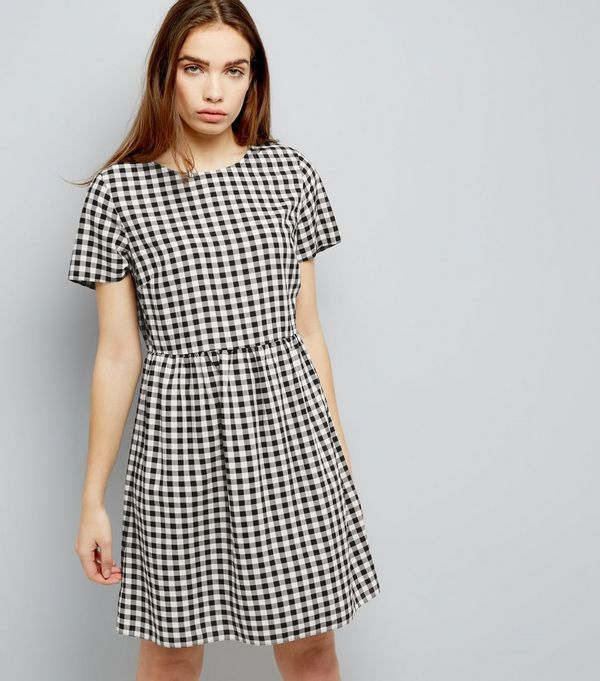 Black Gingham Short Sleeve Smock Dress | New Look