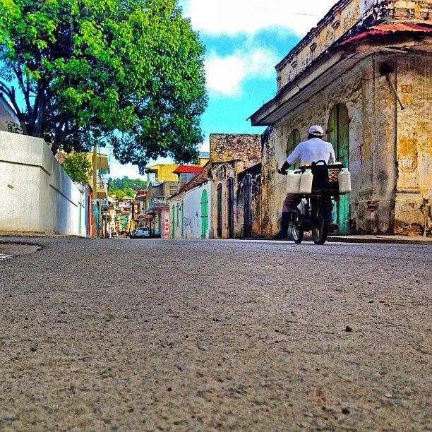 Machann Lèt - #Okap: Jan 2nd 2013 (©2013 @tisamy2k) #ThisIsHaiti #Haiti