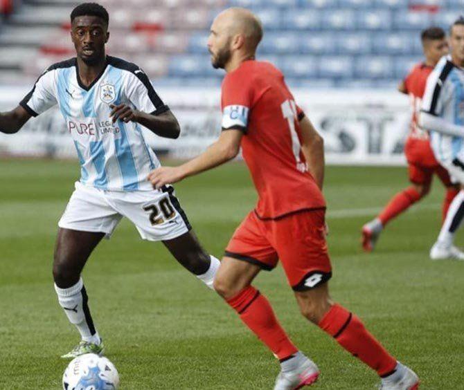 Laure formó parte del equipo titular del Deportivo en Huddersfield @htafcdotcom
