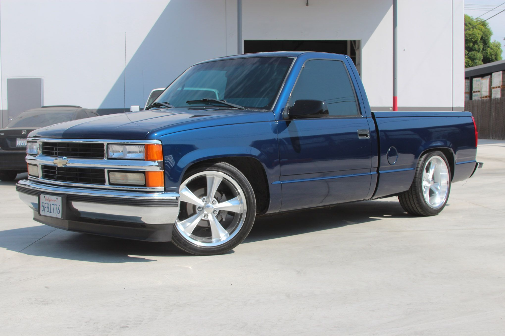 We re Lowering the 1996 Chevy C1500 that Started the whole sport